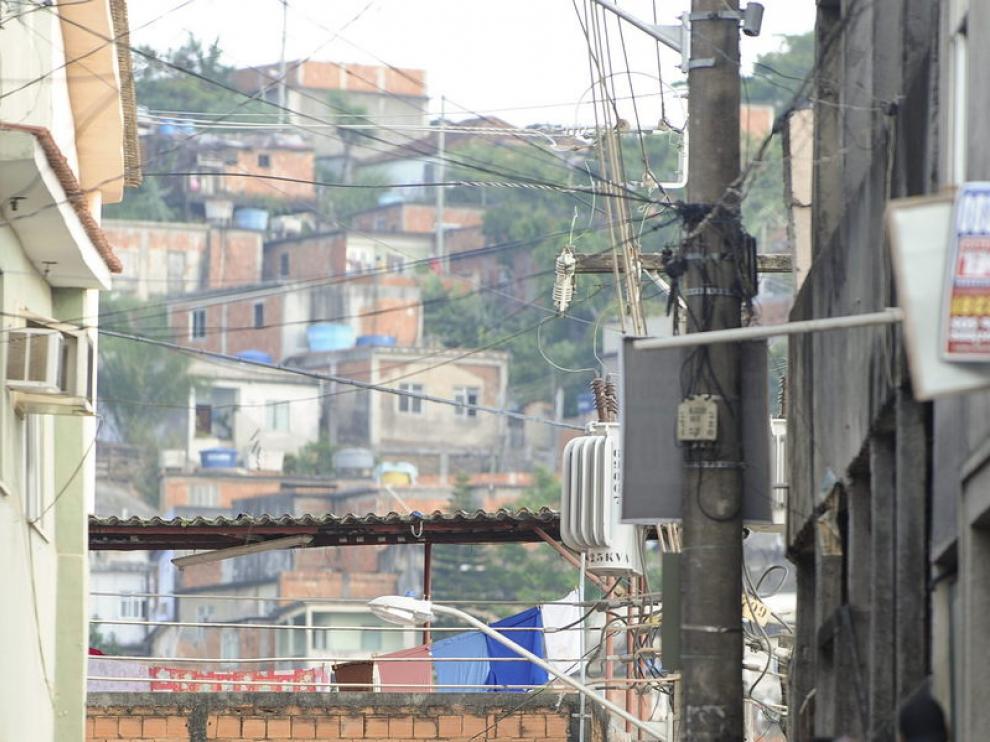 Policías en la favela
