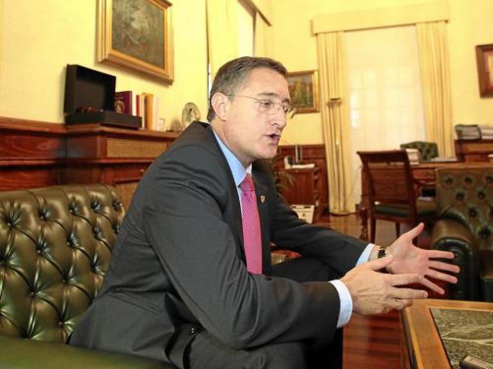 Manuel Blasco,en el despacho de la alcaldía