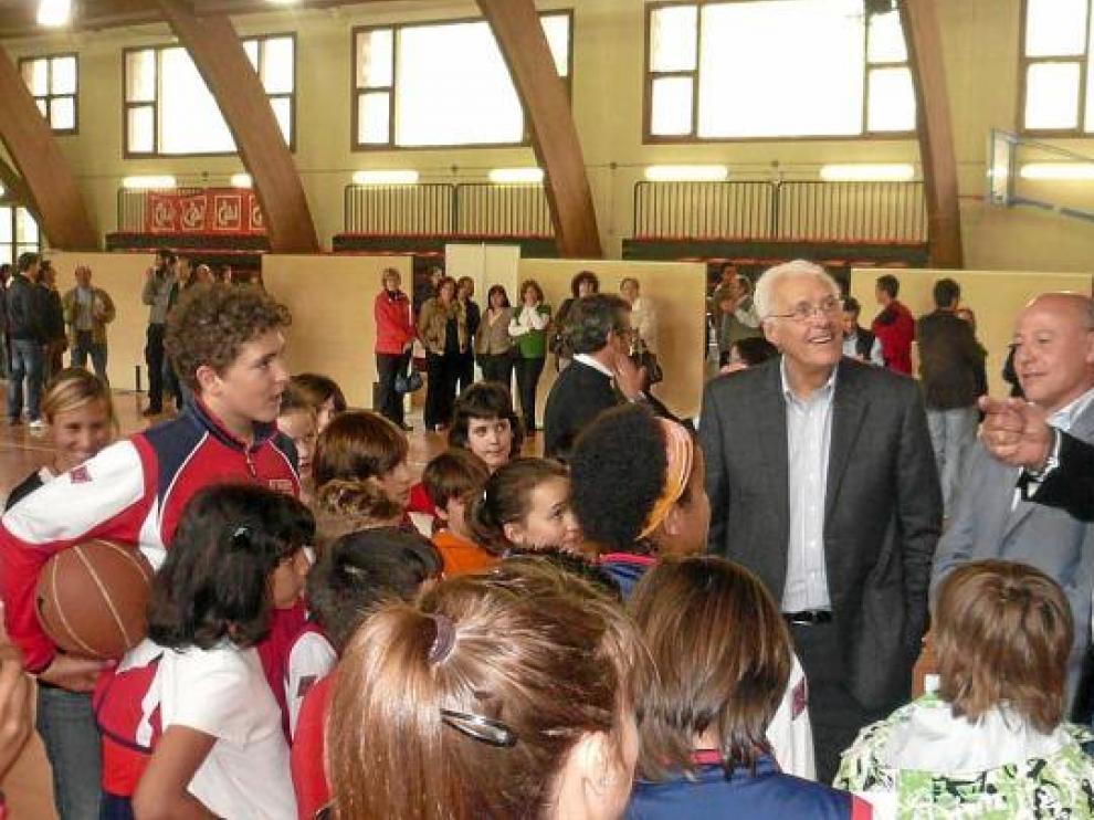 El club ha organizado muchas actividades entre ellas la visita de Romay, Corbalán y Sainz a la Comarca.