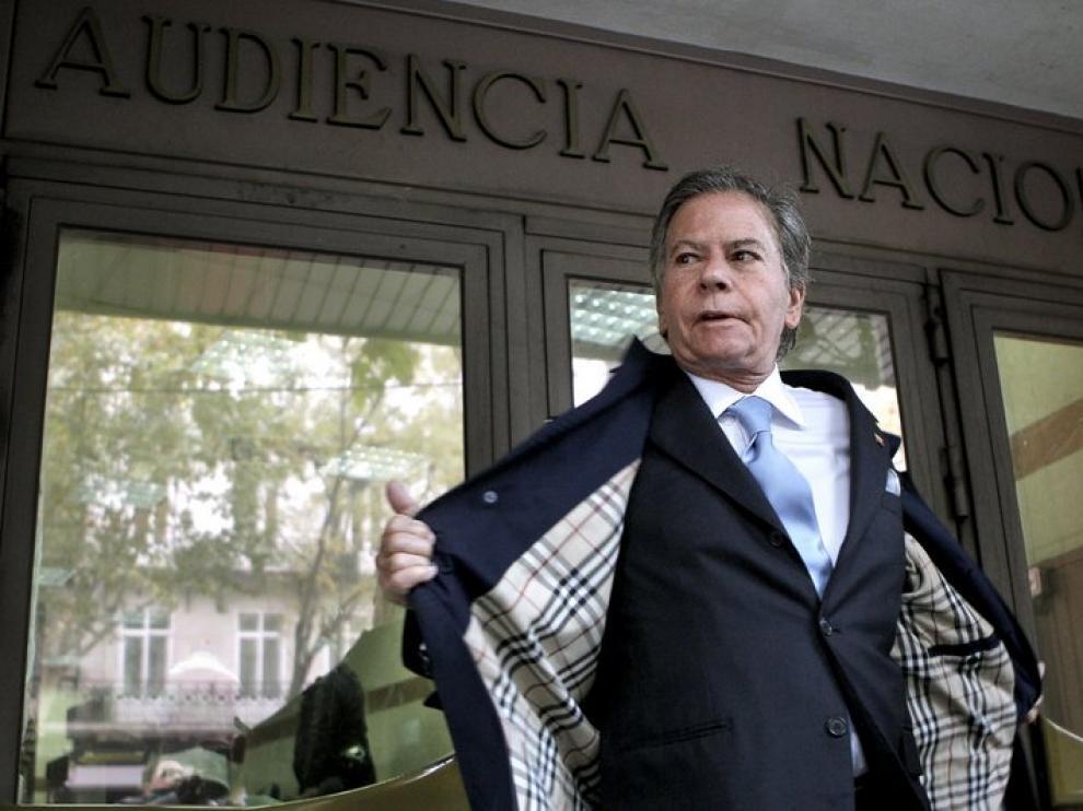 El diplomático venezolano Diego Arria Salicetti, ayer a su llegada a la Audiencia Nacional.