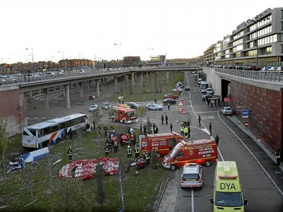 El autobús cayó a la dársena de la estación de autobuses de la Intermodal.