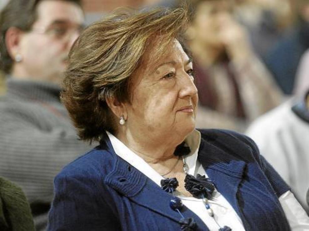 Pilar Urbieto, de la organización de Cáritas de Huesca, fue la premiada ayer por su labor solidaria.