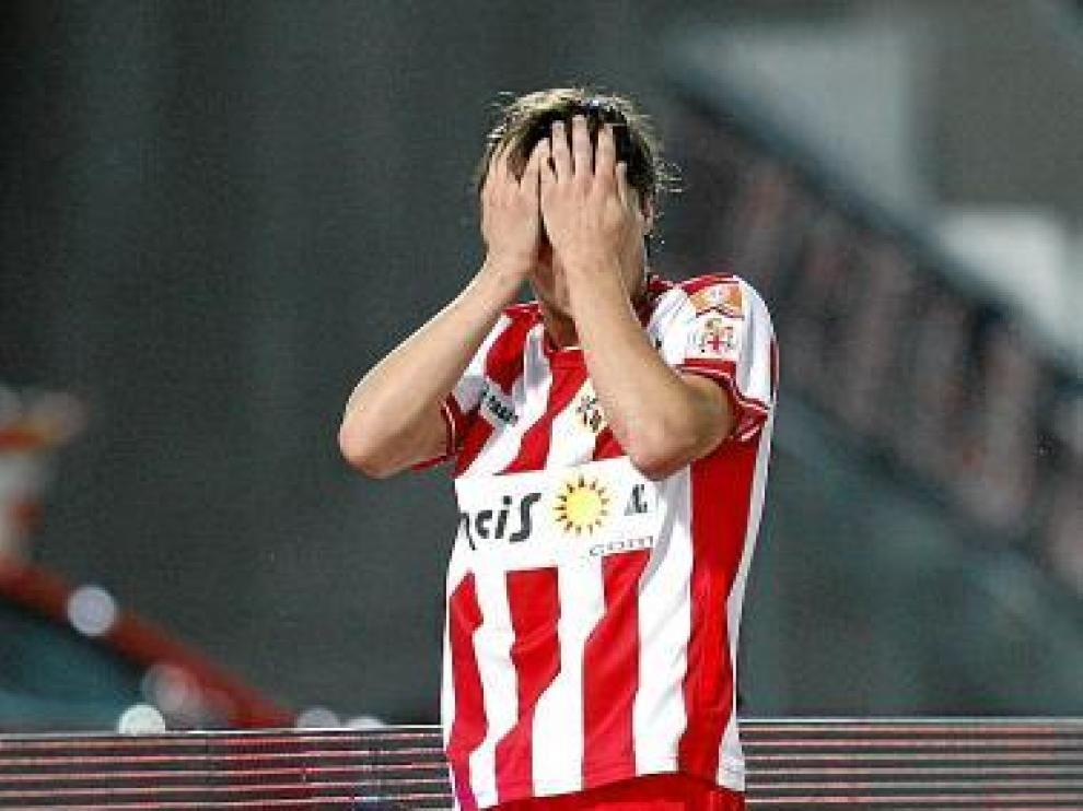 Piatti se lamenta tras fallar una ocasión en los Juegos Mediterráneos.