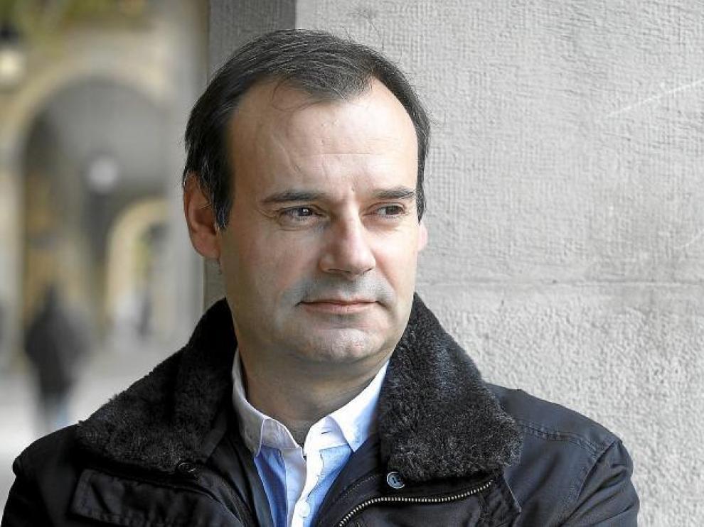 El presidente del comité de empresa de General Motors España, Juan Arcéiz, en el paseo de la Independencia.