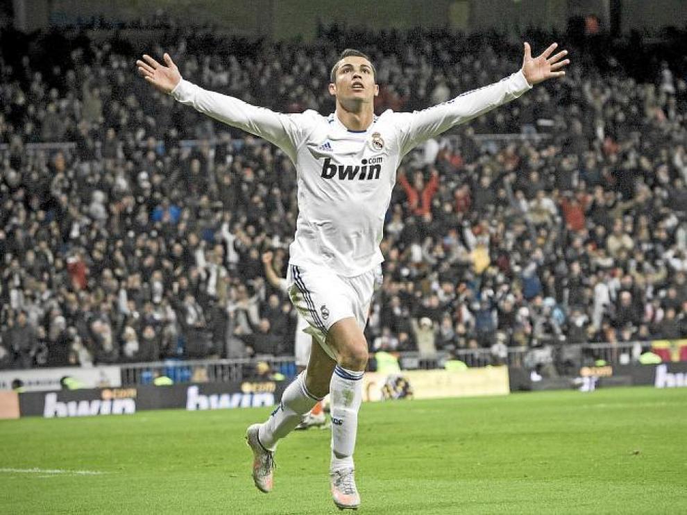 Cristiano Ronaldo celebra el segundo tanto marcado al Valencia.
