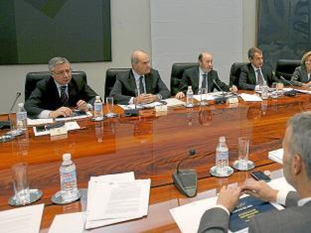 Zapatero, durante la comisión delegada del Gobierno para situaciones de crisis.