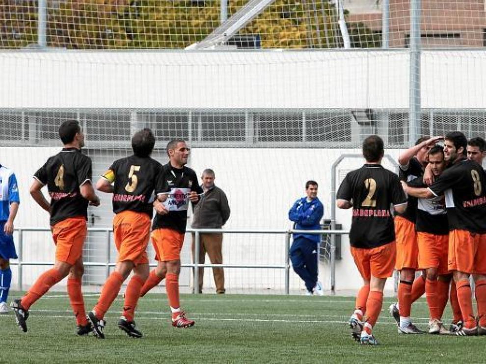 Los jugadores del Andorra celebran un gol.