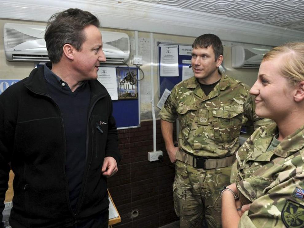 El primer ministro británico en su visita a Kabul