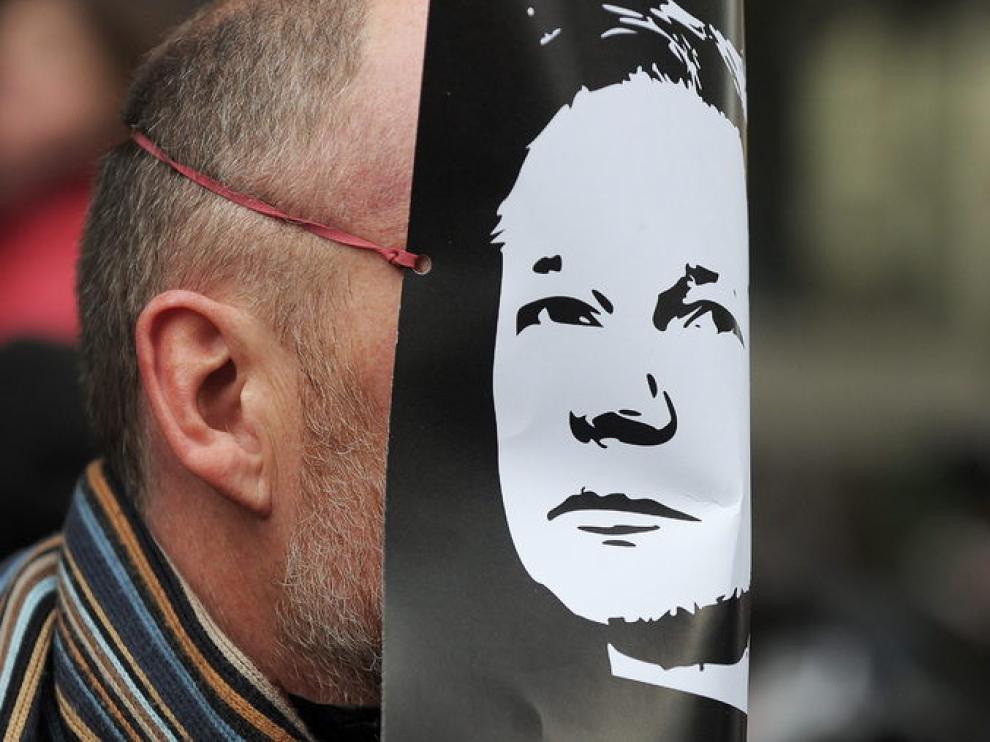 Protesta en Londres por el arresto de Assange