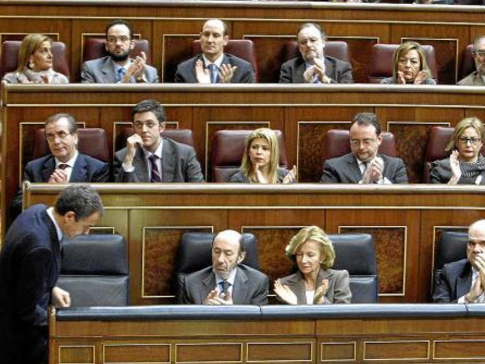 Rodríguez Zapatero dando explicaciones en el Congreso.