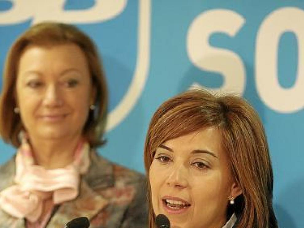 Ana Alós, durante su intervención, tras ser presentada por Rudi.