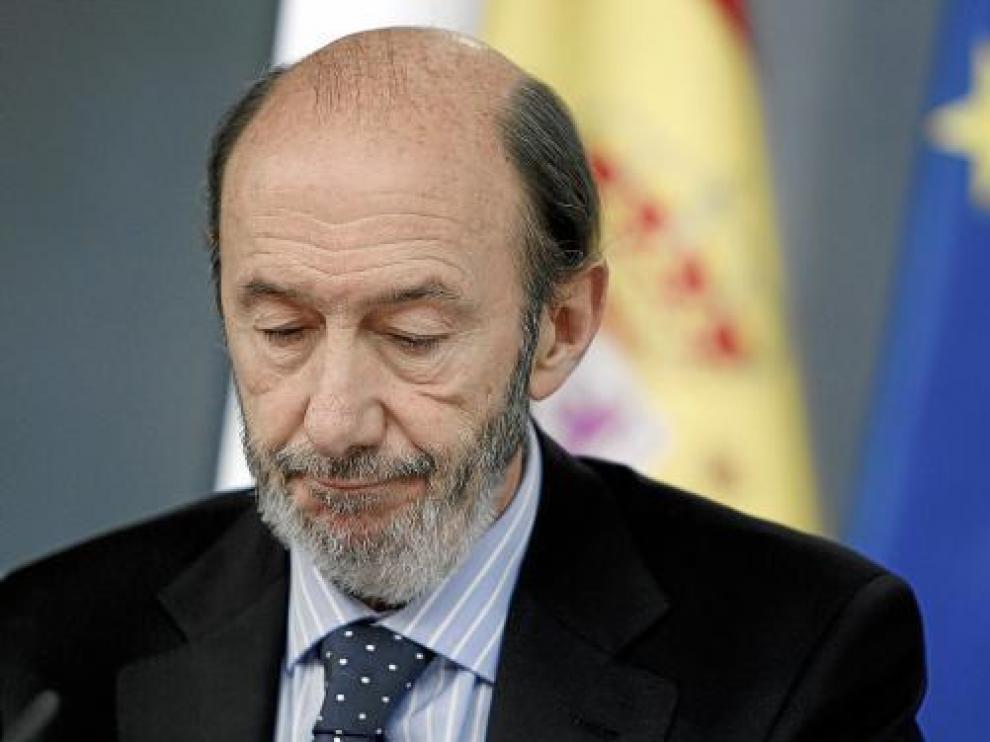 El vicepresidente primero, Alfredo Pérez Rubalcaba, ayer tras el Consejo de Ministros.