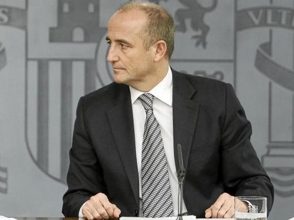 El ministro de Industria, Miguel Sebastián, explicando el plan aprobado ayer en Consejo de Ministros.