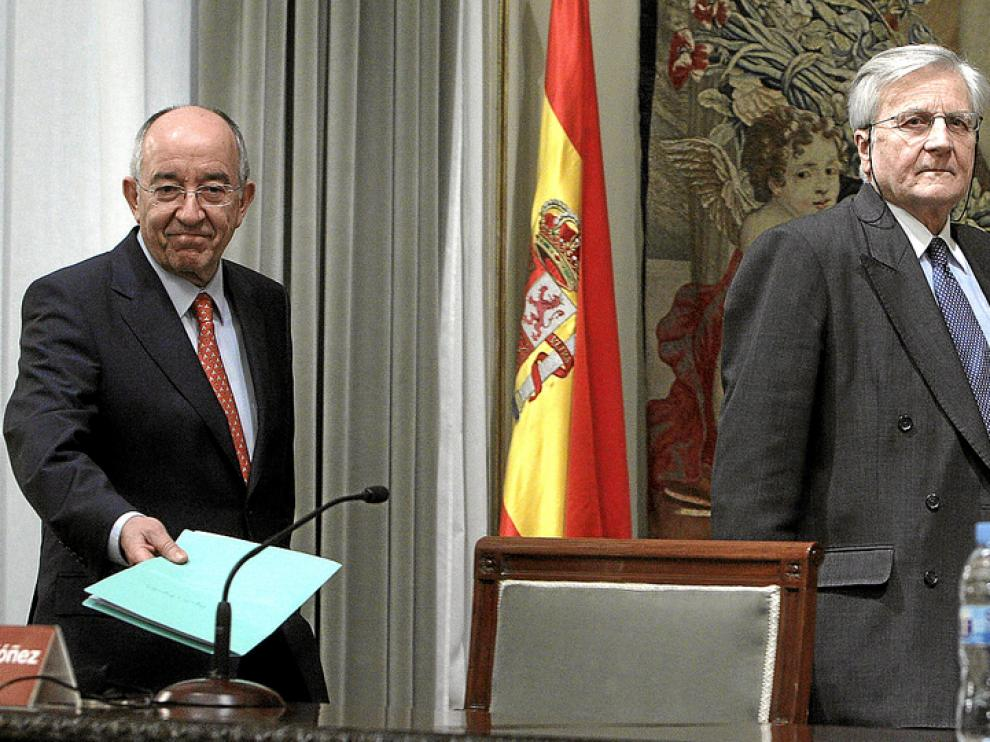 Fernández Ordoñez, gobernador del Banco de España, con el responsable del IBCE, Trichet.