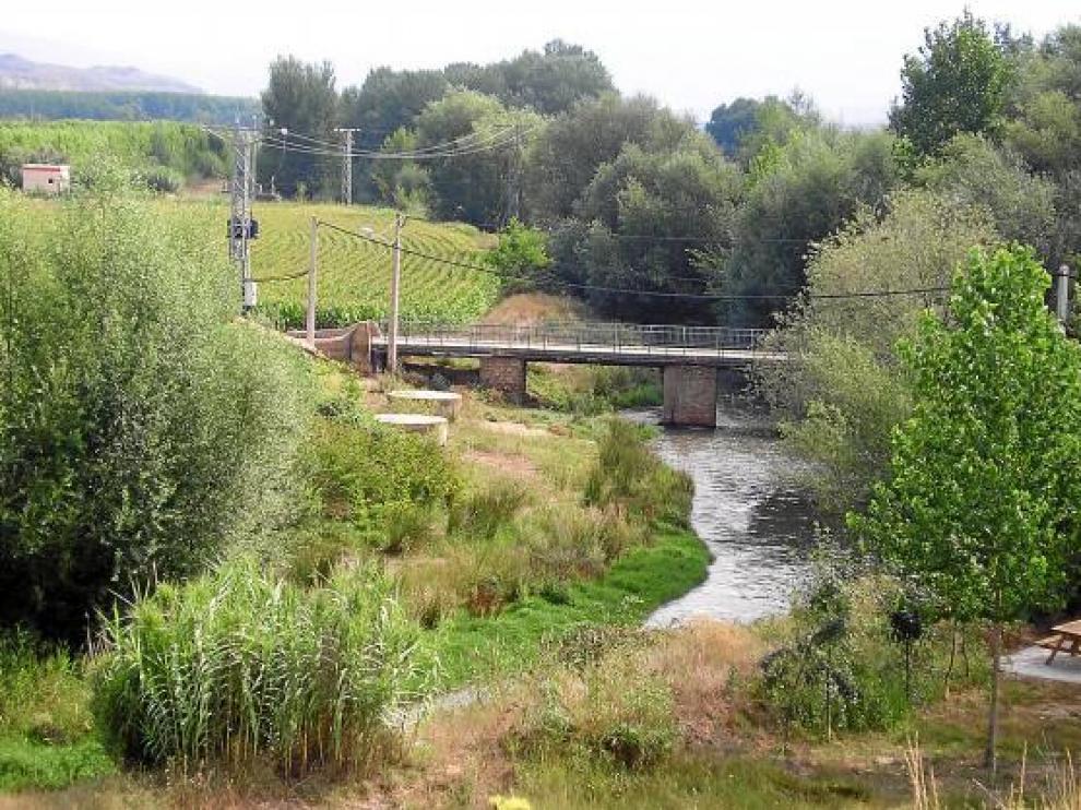 Imagen del estado que presenta el cauce del río y las riberas.