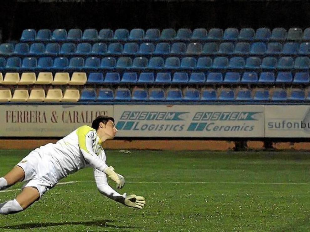 El gol de Dorian Dervite en propia puerta, que sorprendió al meta del Villarreal B, permitió reaccionar al Huesca y obtener el empate final.