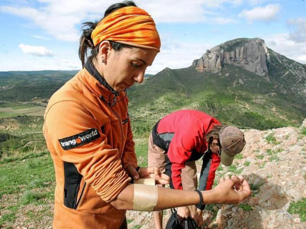 Cecilia Buil, en un entrenamiento en Riglos, será protagonista con su experiencia en el Karakorum.