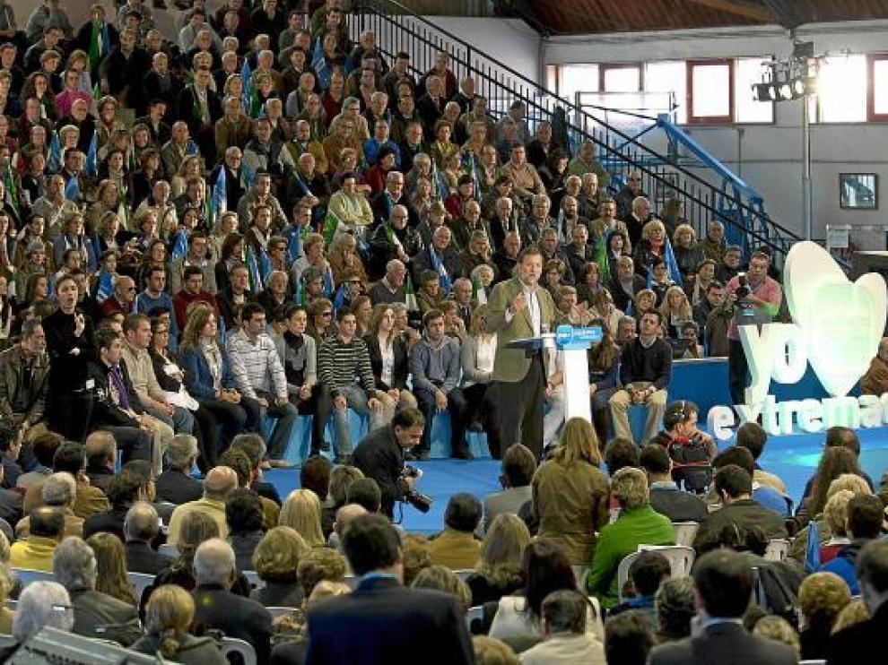 El presidente del PP, Mariano Rajoy, el pasado sábado en un mitin en Cáceres.