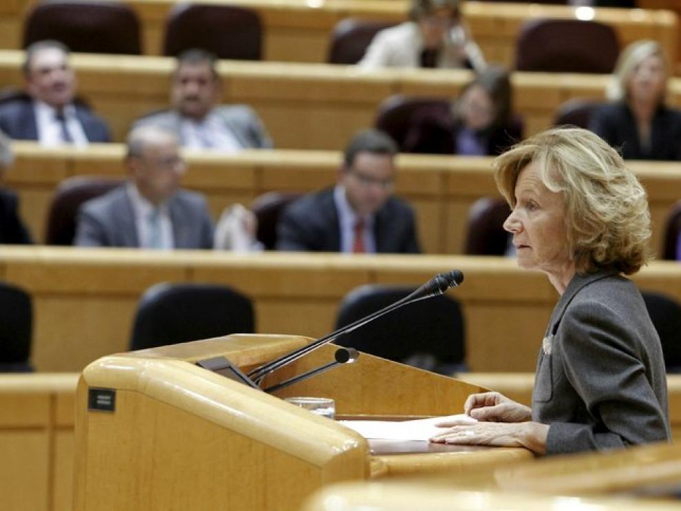 La vicepresidenta segunda del Gobierno, Elena Salgado, durante su intervención en el Senado.