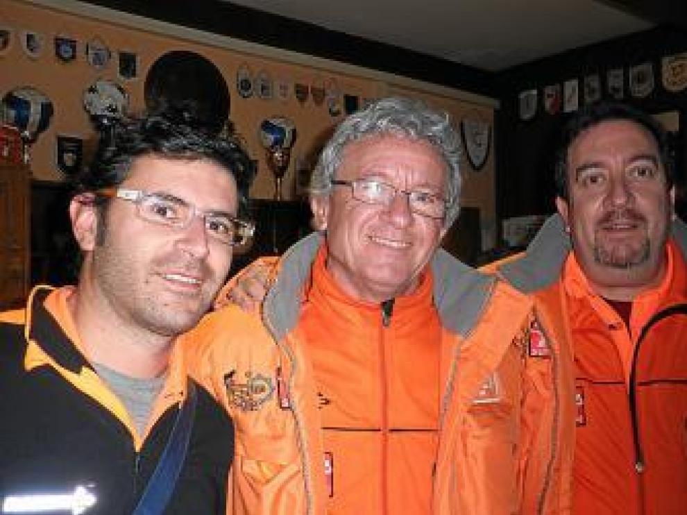 Orta, Simón y Tomás, ayer en el hotel Sumarice de Kragujevac.