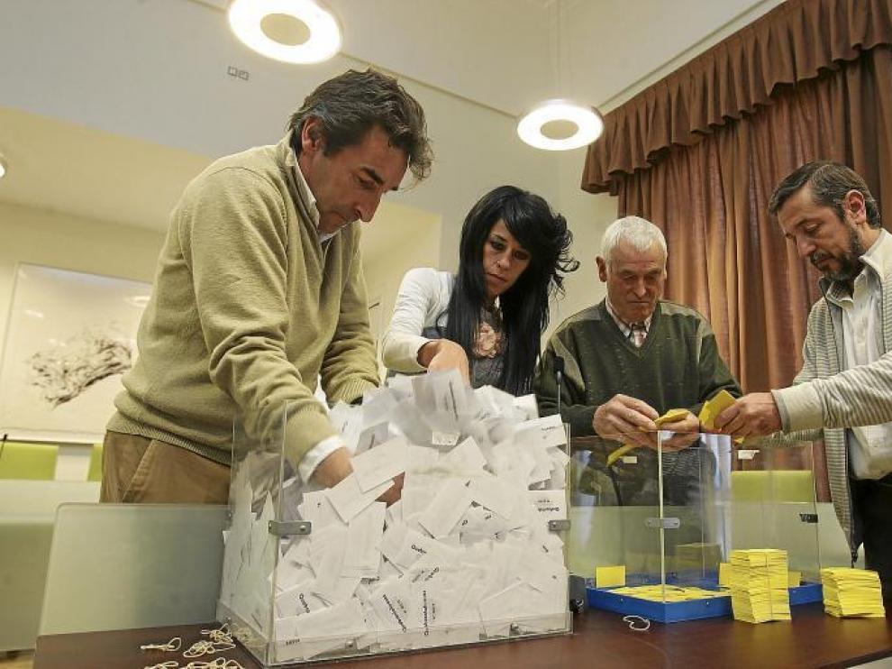 Imagen de las urnas.