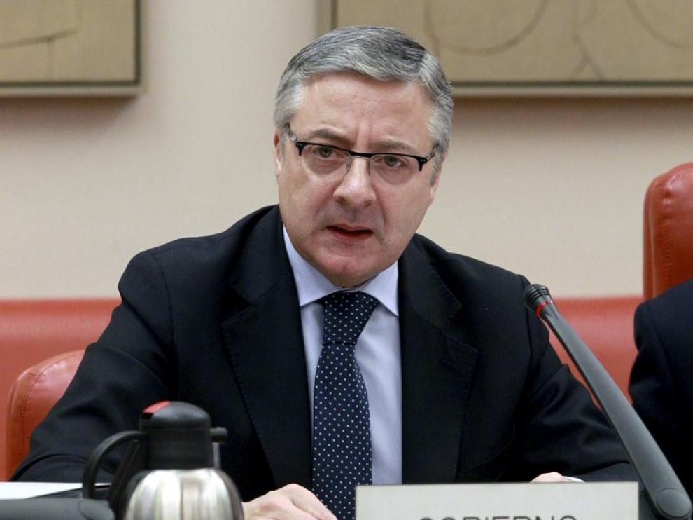 El ministro de Fomento, José Blanco, durante su comparecencia en la Comisión del Congreso