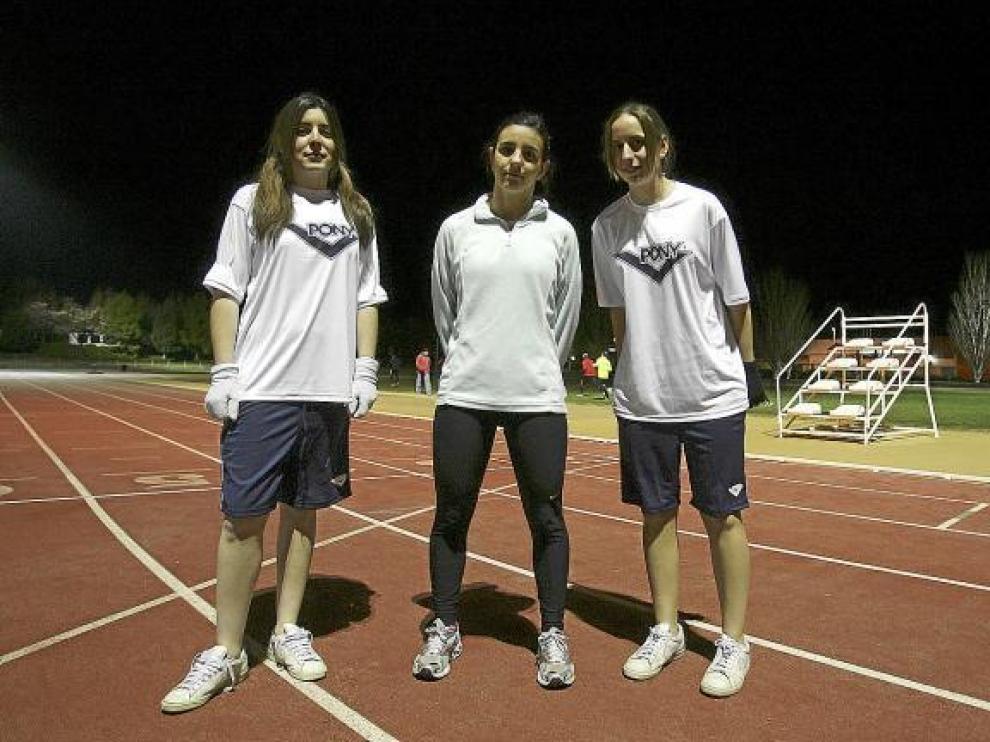 Es normal ver a las colegiadas entrenándose a última hora del día en las pistas de la Ciudad Deportiva.