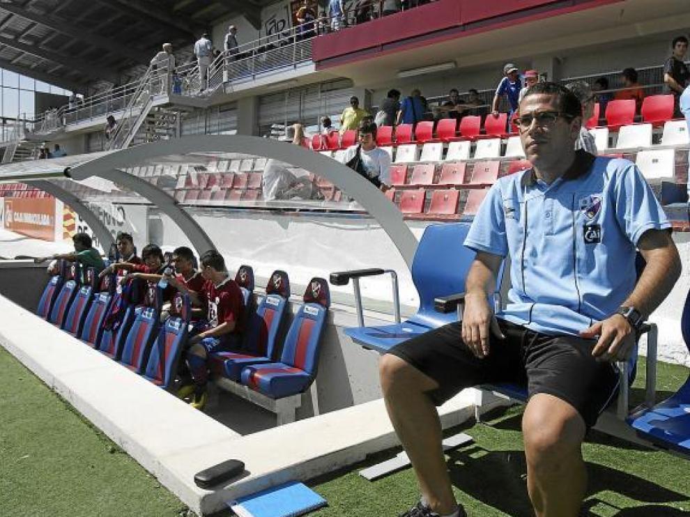Quique García, entrenador del equipo juvenil de la Sociedad Deportiva Huesca.