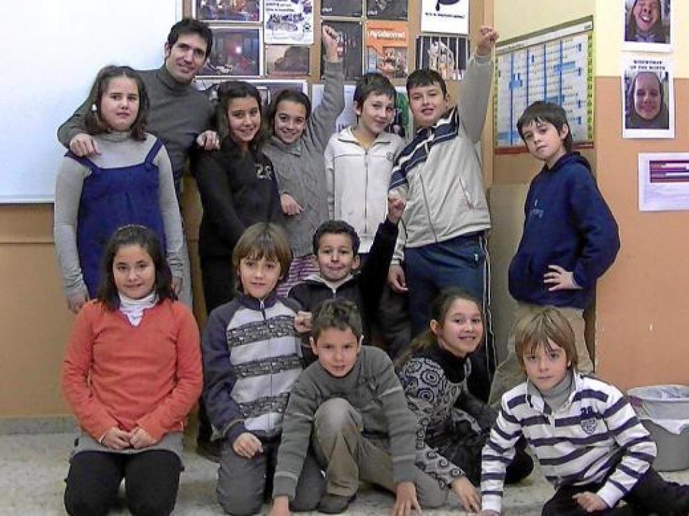 De izquierda a derecha y de arriba abajo: María, César, Ana, Mónica, Rodrigo, Adrián, Saúl, María, Rubén, Hakim, Iván, Marta y Javier.