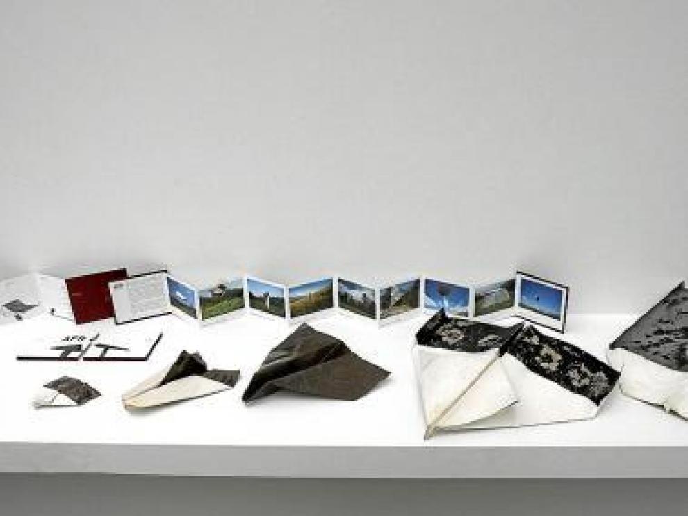 Avionetas realizadas con papel fotográfico.