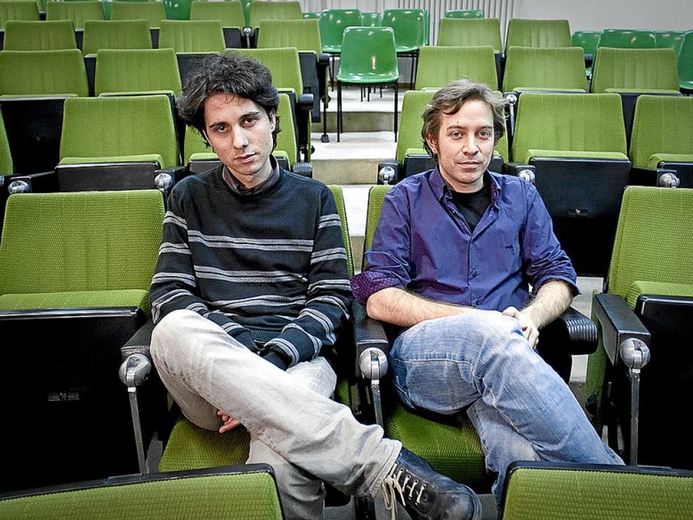 Jonás Trueba y Daniel Gascón, en la Universidad de Zaragoza.