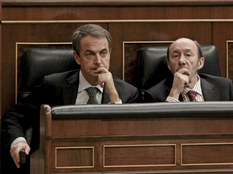 El presidente Rodríguez Zapatero junto a Rubalcaba y Elena Salgado.