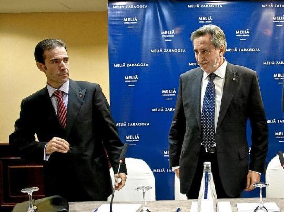 De izquierda a derecha, Agustín Martín, Antonio Morlanes y Fernando Lacasa, miembros de Fundación Zaragocista.