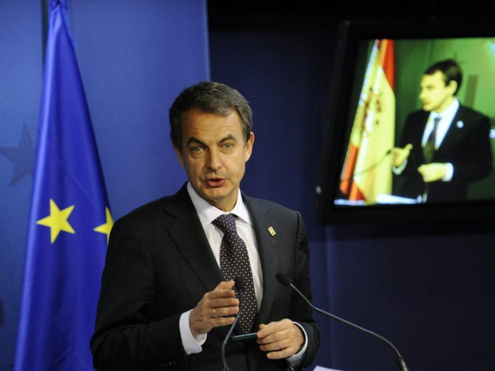 El presidente del Gobierno, Jose Luís Rodríguez Zapatero, hoy al término del Consejo Europeo de Bruselas