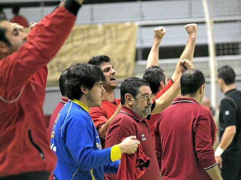 El Obearagón consiguió una importante victoria en la cancha del Barça B. Termina 2010 en lo más alto de la clasificación.