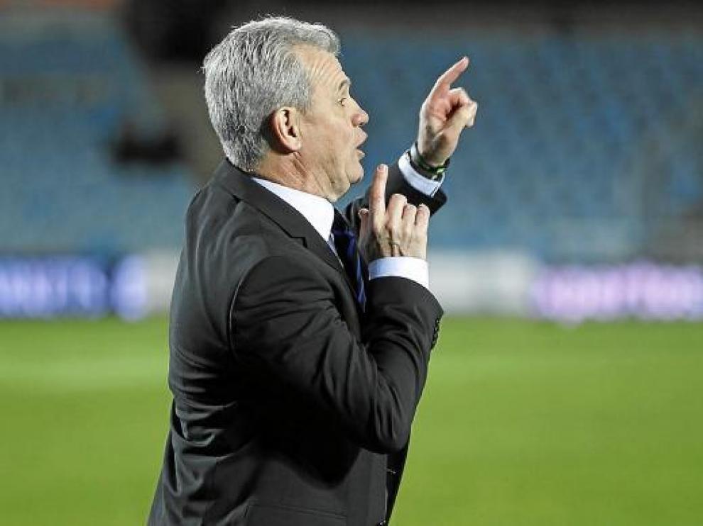 Aguirre da sus órdenes en el partido ante el Getafe.