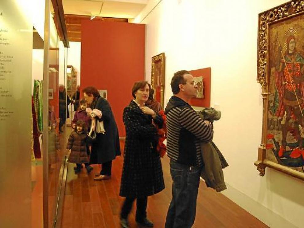 Numerosos visitantes aprovecharon ayer para conocer el nuevo Museo Diocesano.