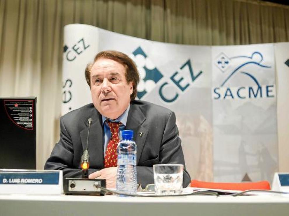 Luis Romero, durante su intervención en la clausura del acto del Sacme.