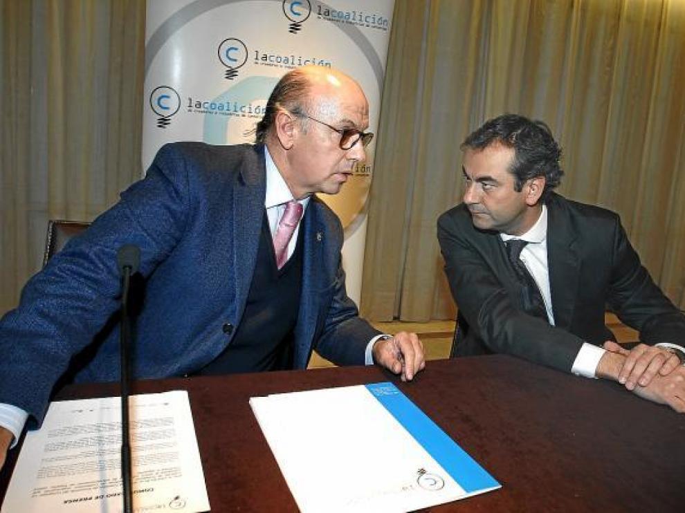 Aldo Olcese y Andrés Dionis, de la Coalición de Creadores e Industrias de Contenidos, ayer.