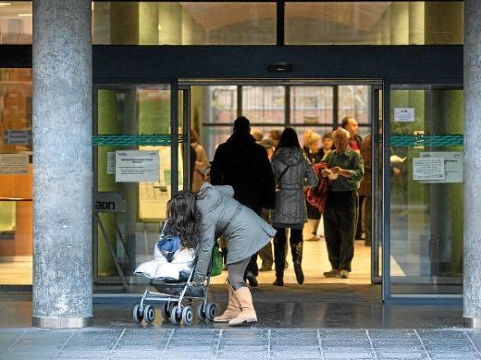 Ayer por la mañana la entrada del centro de salud de Sagasta, en Zaragoza.