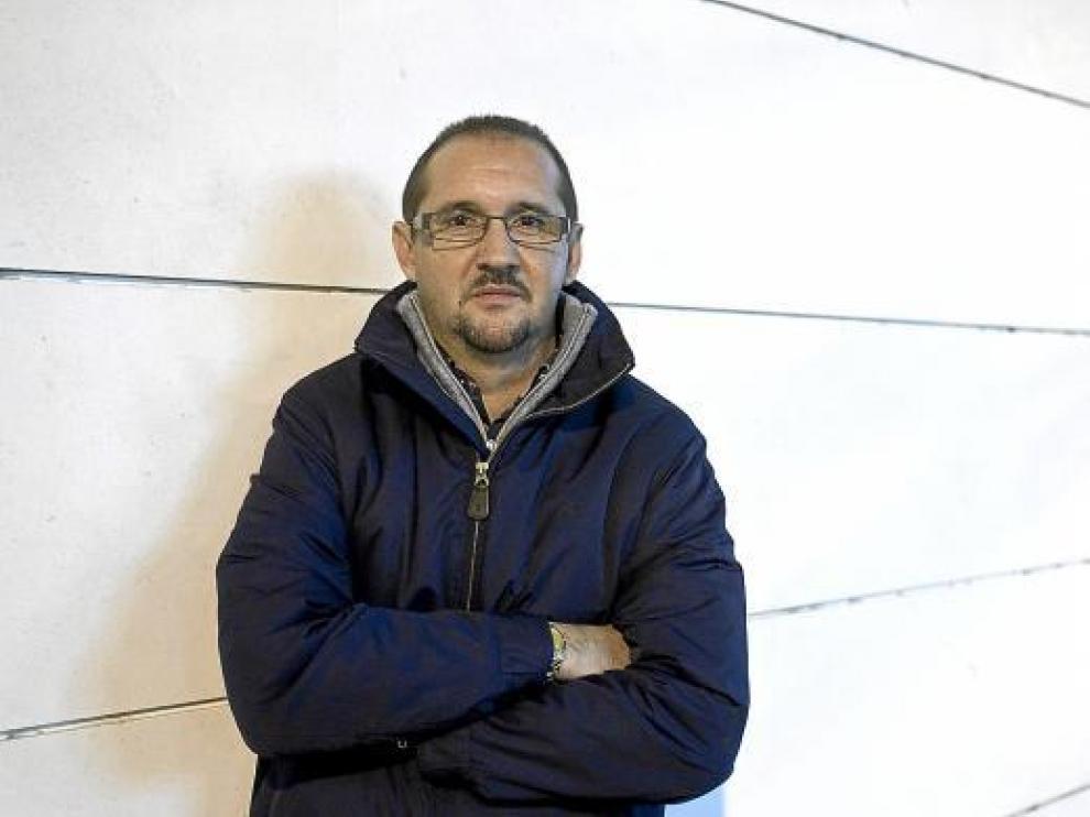 Fernando Puertas, en la imagen con los brazos cruzados, llega dispuesto a trabajar.