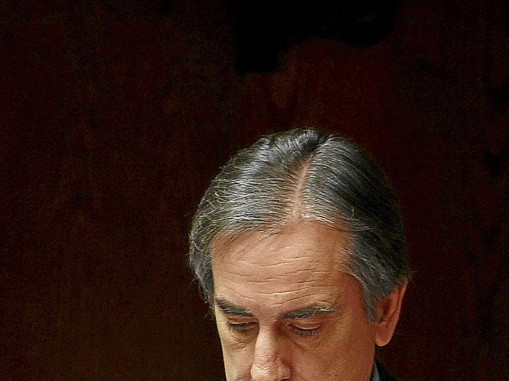 El ministro de Trabajo, Valeriano Gómez, en el Senado.