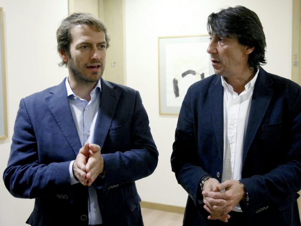 El secretario de Comunicación de USCA, César Cabo, acompañado por el portavoz en Baleares, Javier Zanón.