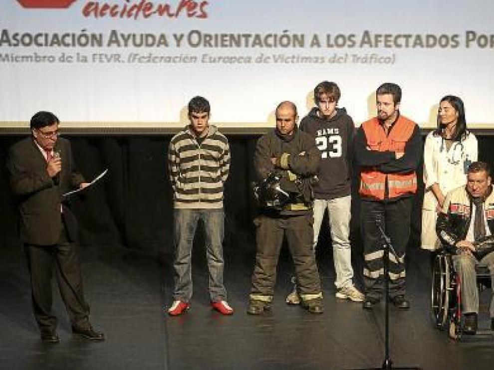 Todos los participantes en la dramaturgia tras la finalización.