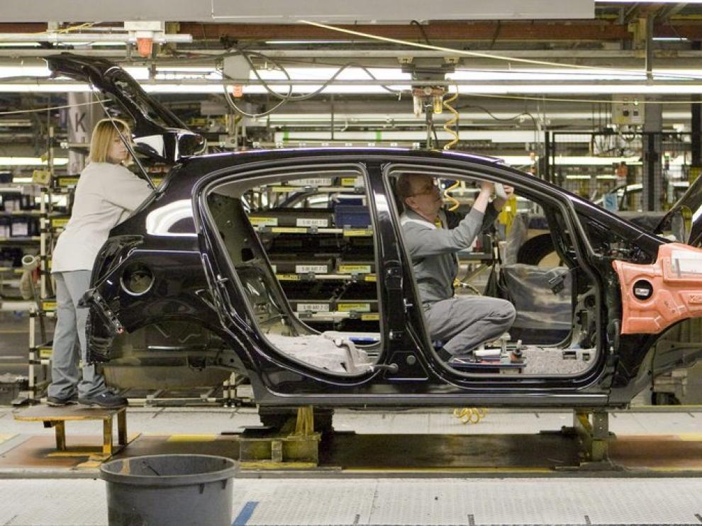 Cadena de montaje en la planta de Opel en Figueruelas