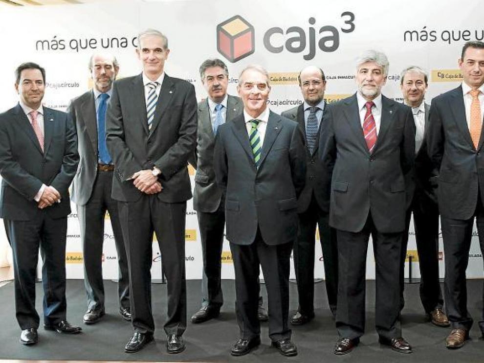 Caja3 comenzará a operar el 1 de enero de 2011 con 600 oficinas y casi 3.000 empleados