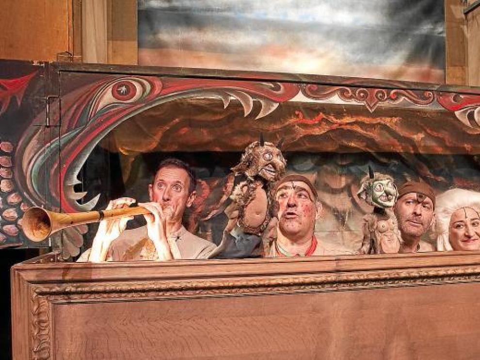 Los Titiriteros de Binéfar, un año más en el Teatro del Mercado.
