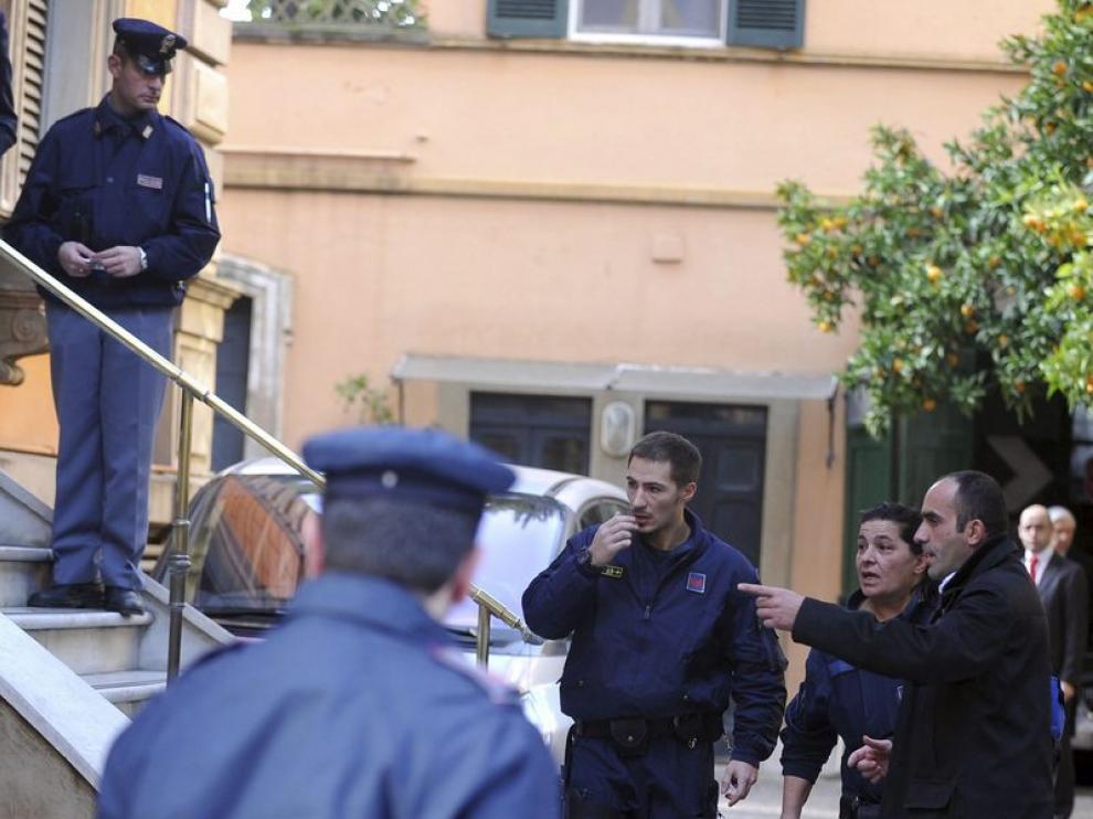 Policía en la embajada de Chile