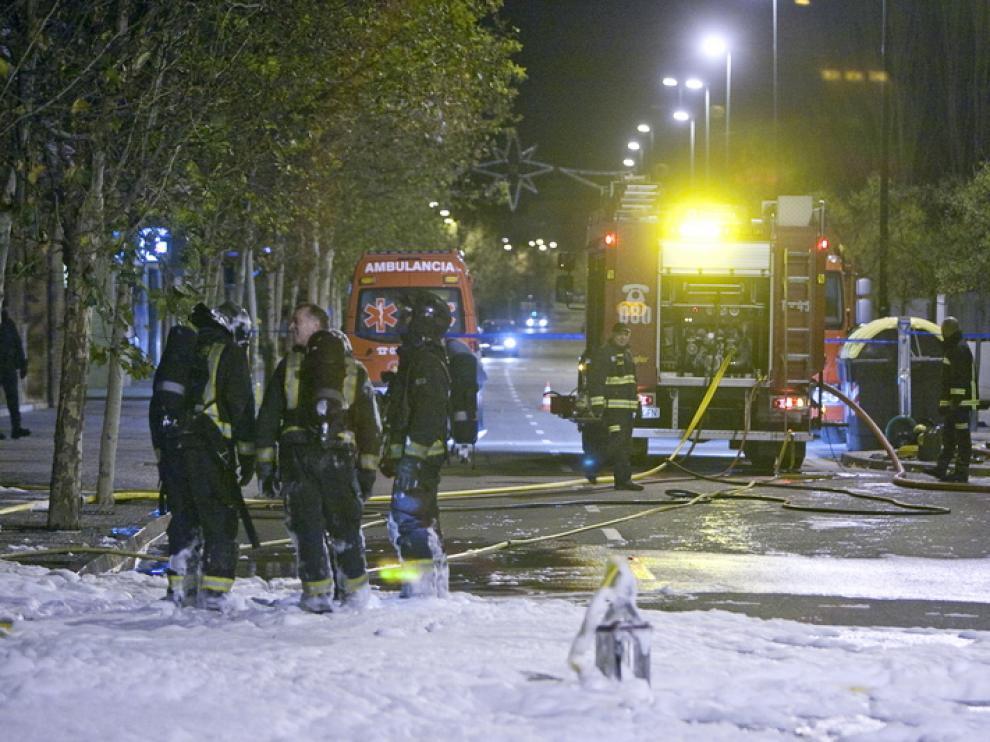 Los bomberos apagaron el fuego en un bajo del Camino del Pilón