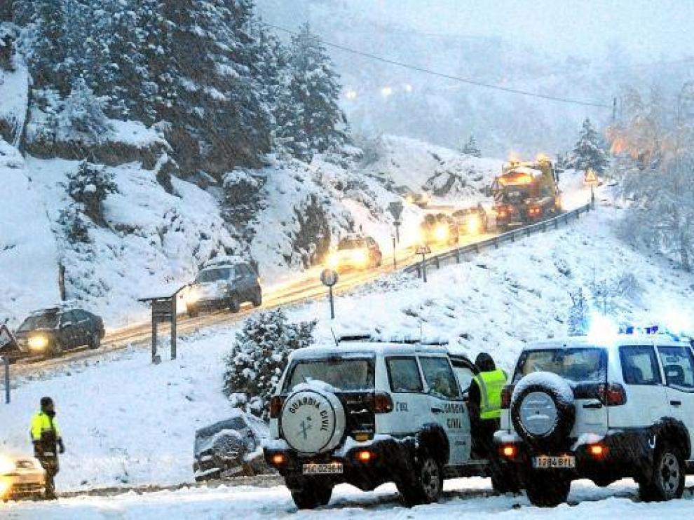 . La telecabina entre Benasque y Cerler es una vieja aspiración del valle para crear un nuevo acceso a la estación de esquí y descongestionar así la carretera evitando los problemas que se dan cuando nieva.